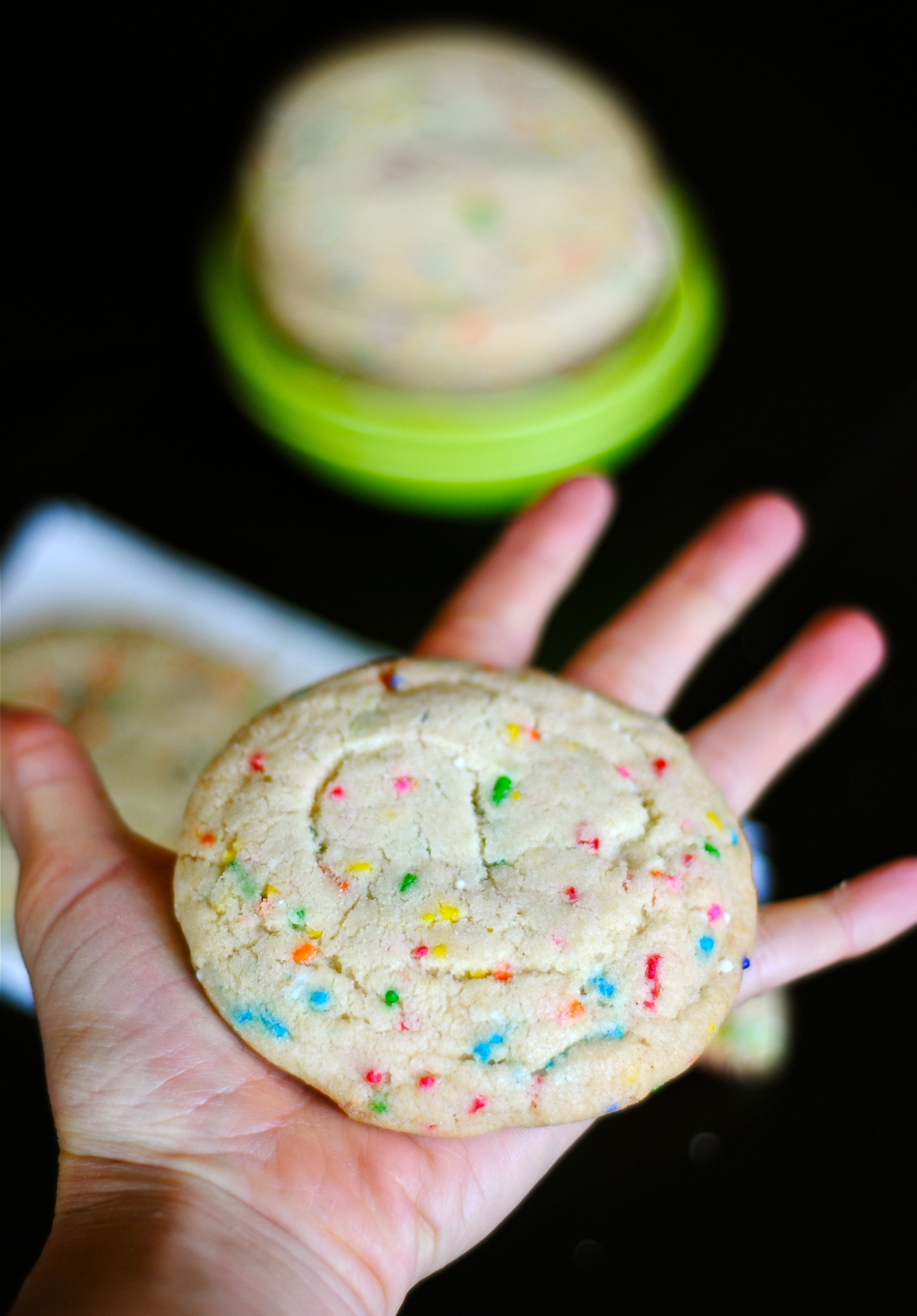 Home » Cookies » Funfetti Cookies » confetti cookies 3