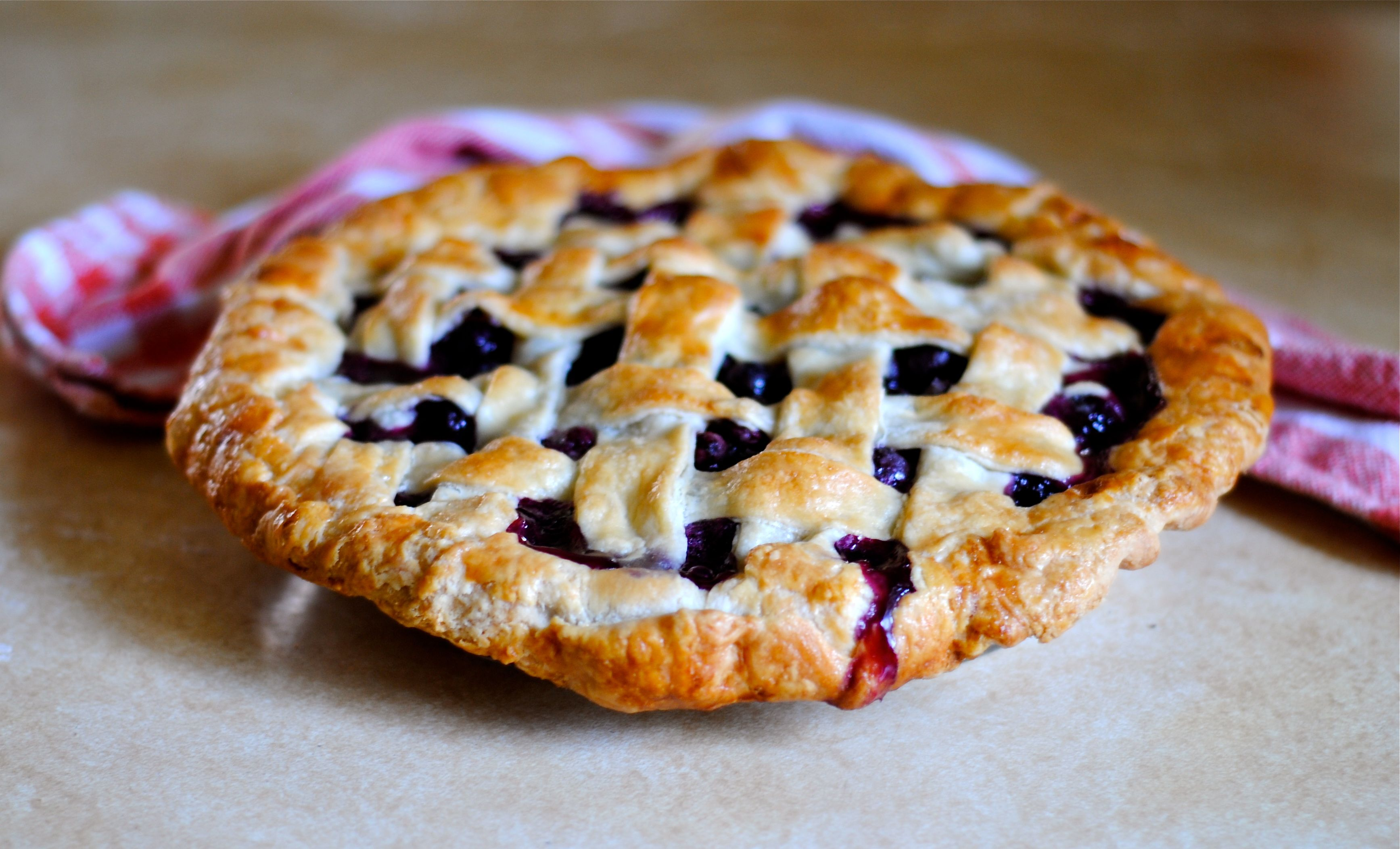 Home » Desserts » Sweet Blueberry Pie » blueberry pie 3