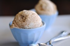cinnamon roll ice cream